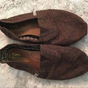 Brown tweed Toms